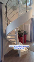 Лестницы. Бетонные лестницы. Ступеньки.
