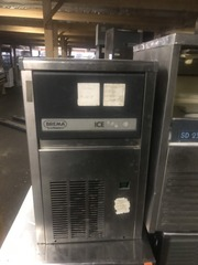 Продам бу ледогенератор BREMA CB 184 A-Q  для кафе,  баров