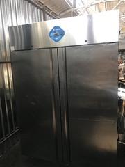 Продам бу промышленный шкаф морозильный Desmon isb14 1400 л.