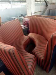Оранжевый диван в черную полосу  радиус бу
