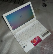 Нетбук Acer Aspire One D270-268w  White Balloon
