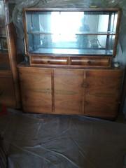 Шкаф с витражными полками крупногабаритная,  натуральное дерево