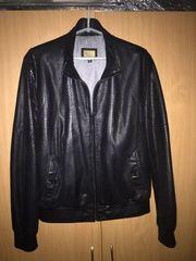 Фирменная кожанная мужская куртка, размер 48-50,  Италия